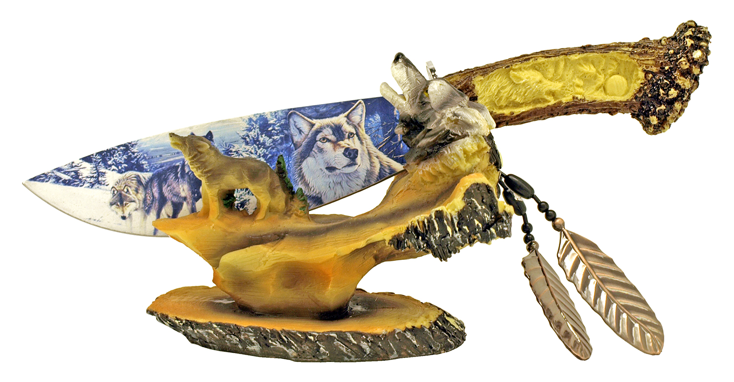 Wolf Knife with Display