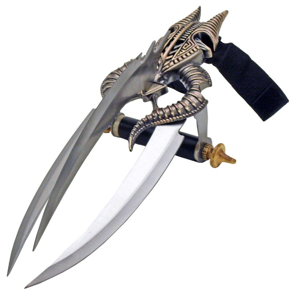 15 in 3 - Blade Skull Hand