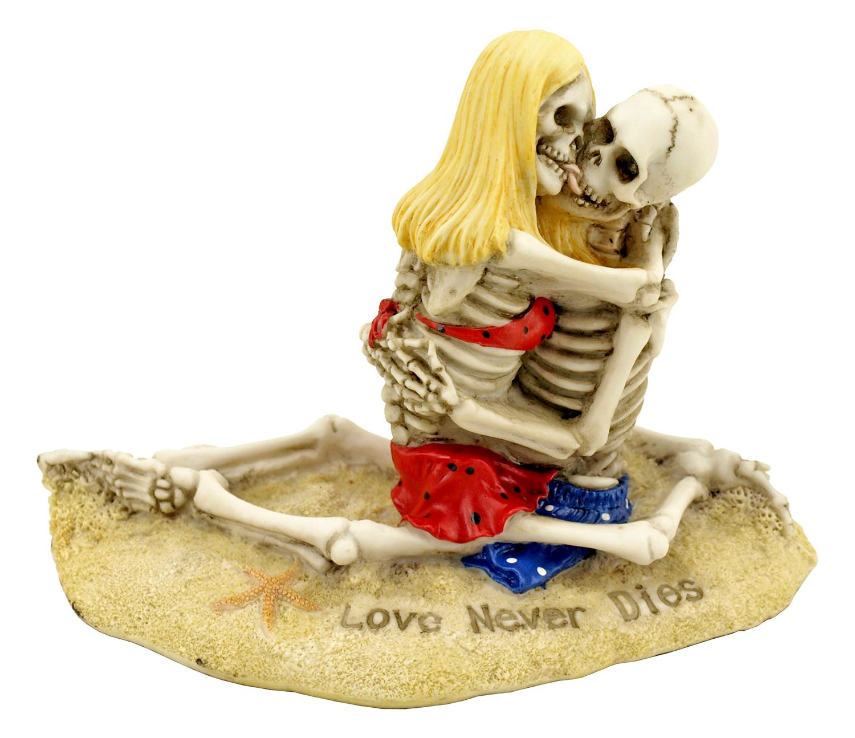 Love Never Dies Sitting Skeleton Couple Beach Statue Figurine